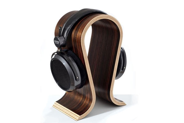 34 Best Wooden Gifts For Men On Your 5th Wedding Anniversary